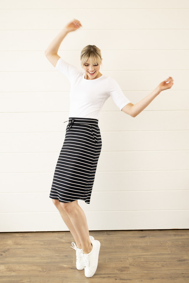 Image For Knit Waist Tie<br>Pencil Skirt<br>Black
